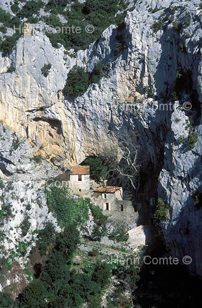 photos de villages de montagne des pyrenees orientales phototh que languedoc roussillon. Black Bedroom Furniture Sets. Home Design Ideas